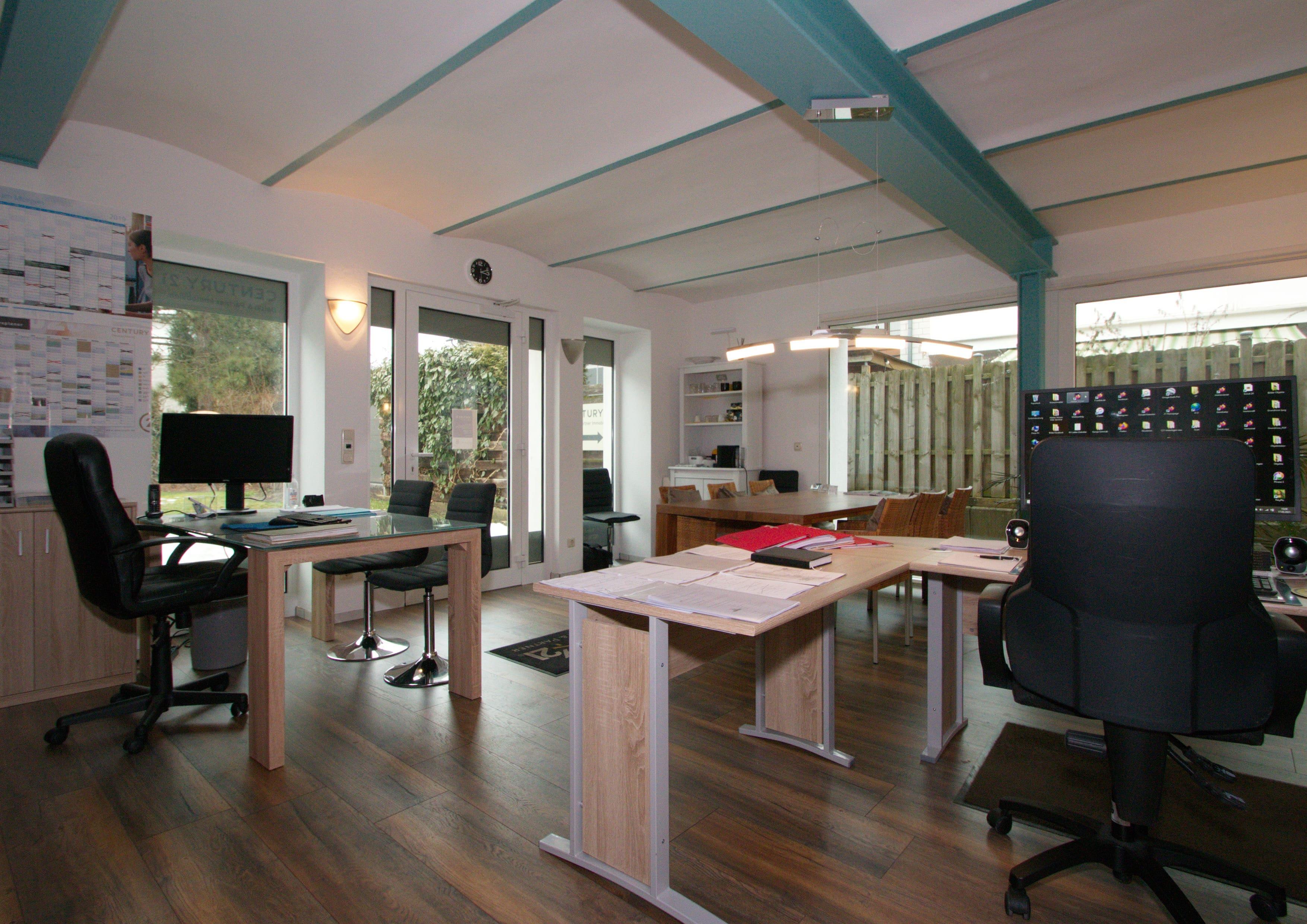 Büro - CENTURY 21 Dolski & Partner